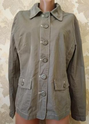 Пиджак цвета хаки