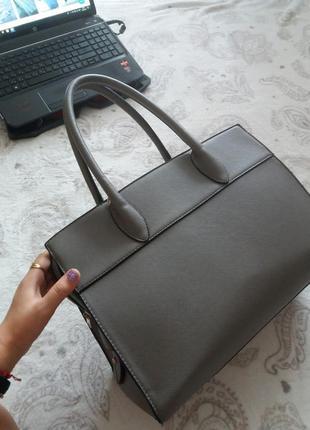 Крутая вместительная сумка