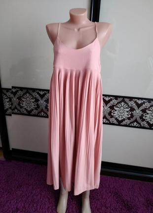 Чудове вільне плаття, платье