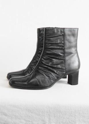 Черные осенние кожаные полусапожки juliet вьетнам