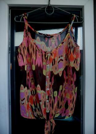 Яркая летняя шифоновая майка топ блуза на тонких бретелях george на пуговицах а принт