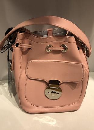 Пудровая сумка мешок mohito розовая сумочка с длинной ручкой