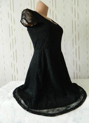 Нарядное кружевное платье h&m чёрного цвета  короткое платье