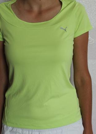 Яркая функциональная футболка puma