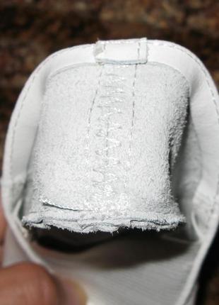 Кожаные чешки матита белые3 фото