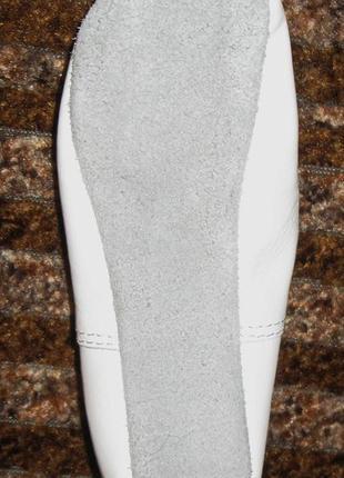 Кожаные чешки матита белые5 фото