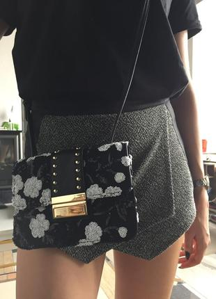 Очень крутая нарядная сумочка