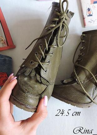 Стильные ботинки на каблуку, ботыльены