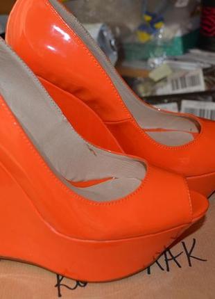 Модельные неоновые туфли sexy fairy на танкетке! натуральная кожа! размер 39.