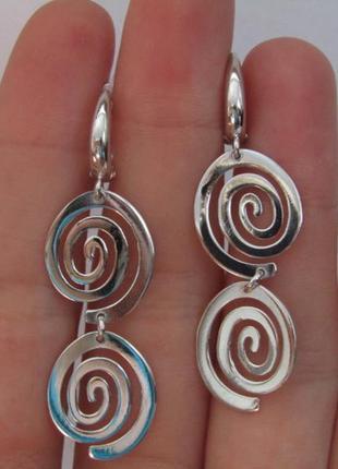 Серебряные серьги спираль
