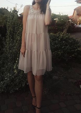 Сукня ніжно рожевого кольору
