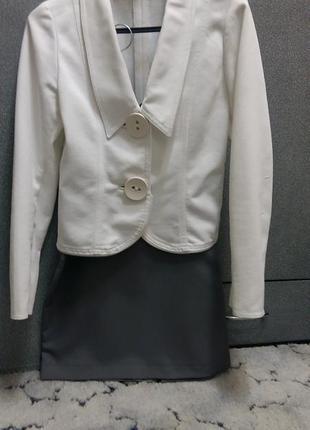 Продам нарядный пиджак