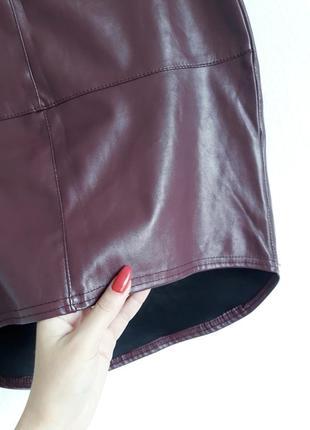Трендовая юбка в обтяжку кожзам винного цвета4