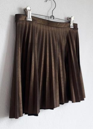 Трендовая юбка трапеция плиссе под золото