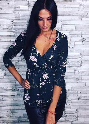 Нежная блуза в цветы на запах