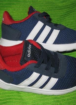 Кроссовки adidas,р.24 стелька 15,5см