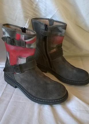 Фирменные кожаные сапоги ботинки 31р. 20,5 см. bi key, италия