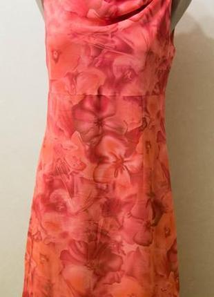 Очень красивое нарядное платье в цветы от kappahl, 38м, шифон