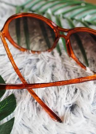 Рыжие солнцезащитные овальные очки с бамбуковыми дужками