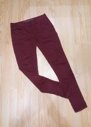 Бордовые скинни джинсы denim co