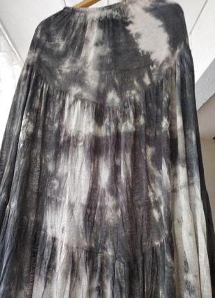 Тройка- юбка,две футболки размер 50-52