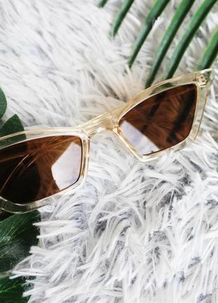 Трендовые солнцезащитные очки лисички бежевые