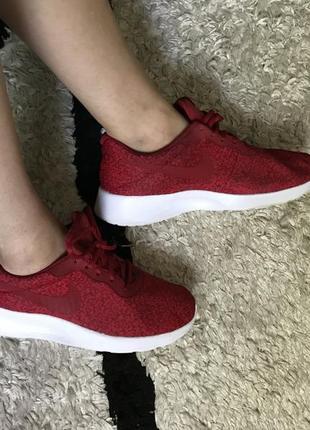 Красные кроссовки nike оригинал 40-41 размер