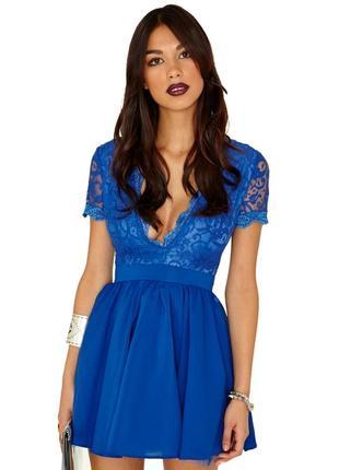 Нарядное кружевное пышное платье missguided