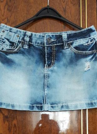 Классная джинсовая юбка, дешево.1 фото