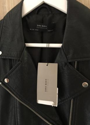 Крутая вещь чёрная куртка косуха кожанка zara