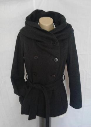 Шикарное короткое пальто,под пояс,с капюшоном,серое,шерсть zara