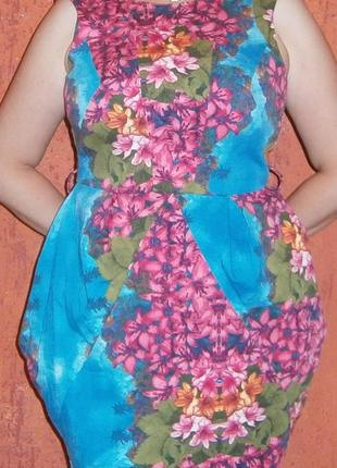 Яркое летнее платье- футляр букет хлопок
