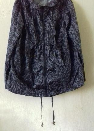 Ветровка с капюшоном куртка размер 22