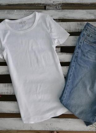 Базовая белая футболка от marks&spenser