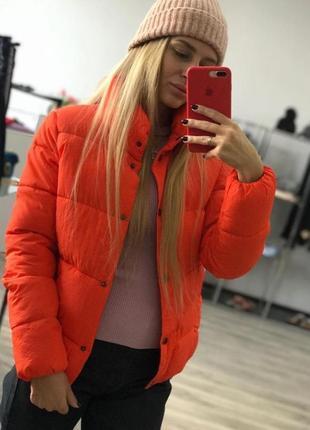Женская стильная куртка цвет оранжевый