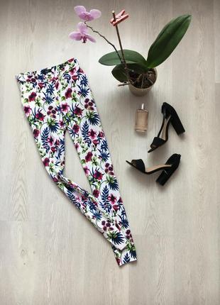 Белые летние брюки, брючки с цветочным принтом