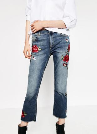 Zara  джинсы с вышивкой mom