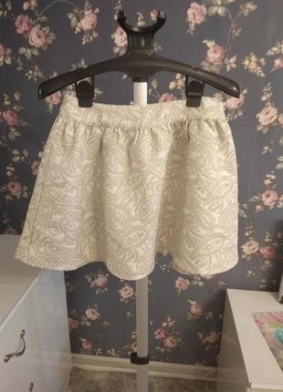 Очаровательная юбка с восточным узором.