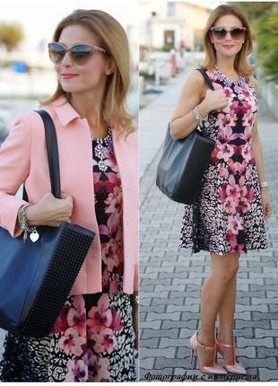 Красивое цветочное платье,размер 38-40