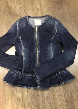 Джинсовый пиджак. джинсовая куртка.