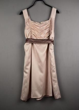 Очень красивое вечернее платье цвета капучино с поясом