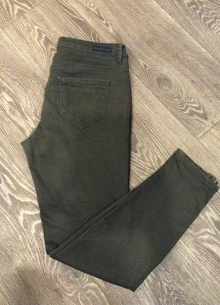 Крутые штаны джинсы болотного цвета
