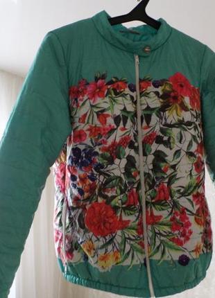 Куртка весенняя,лёгкая в цветочек