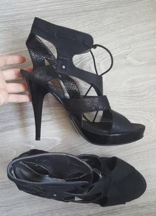 Срочно! новые кожаные шикарные босоножки morgan черные 39 - 40 размер5 фото