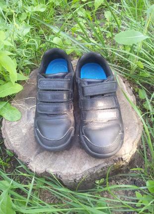 Кожаные кроссовки clarks 28 размера по стельке 18, 5 см