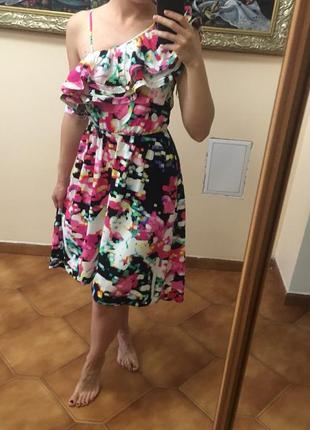Яркое разноцветное миди платье h&m