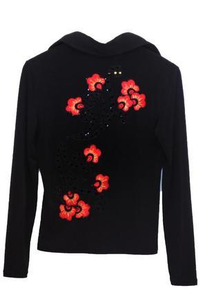 Стильная черная блузка с вышивкой красные маки.