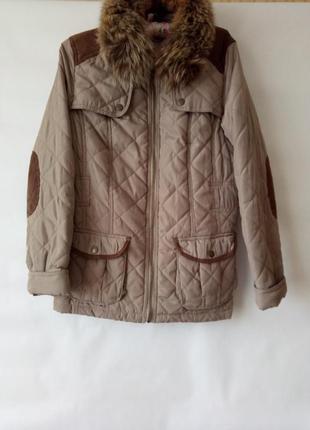 Куртка деми на синтепоне воротник из меха енота