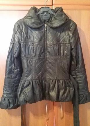 Классная куртка с баской