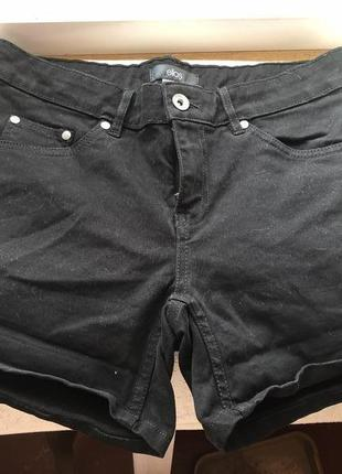 Черные плотные джинсовые шорты